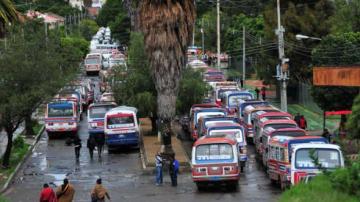 Transporte urbano de Cochabamba parará desde las 15.00 en apoyo a Leyes
