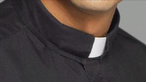 Sacerdote condenado por abuso cumplió cargos administrativos y no se relacionó con menores