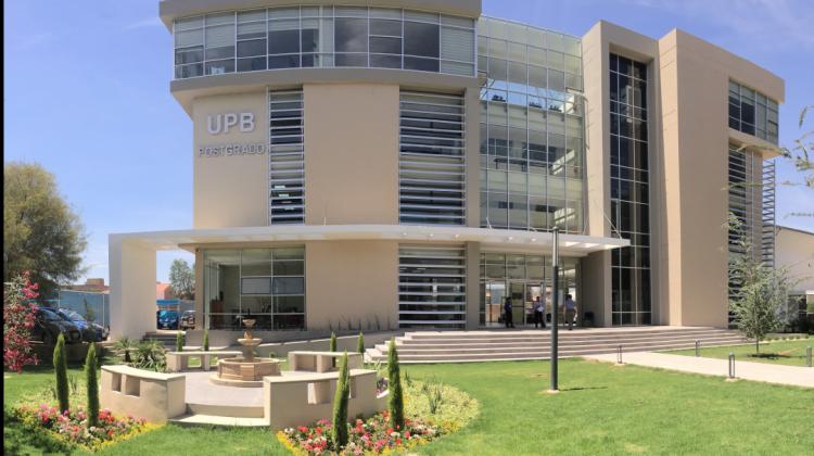 Edificio de postgrado en Cochabamba