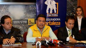 Revilla y Fortaleza anuncian la reposición total de los 66 PumaKatari quemados en los conflictos