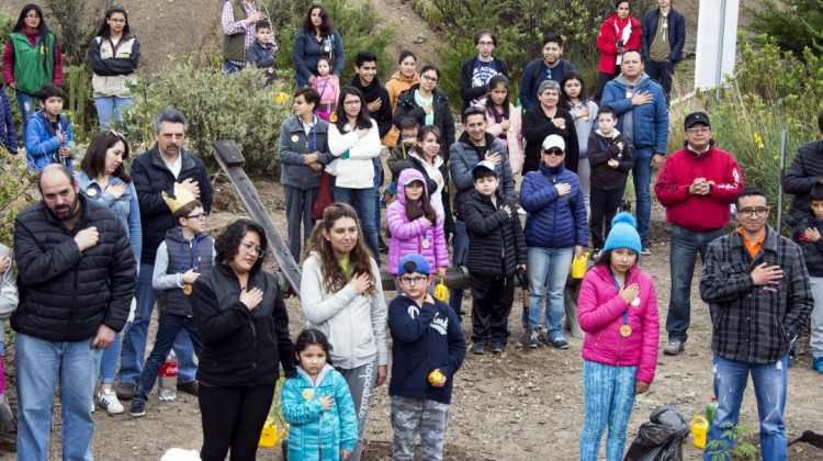 Colaboradores  y sus familias jurando como  Guardianes del Planeta - LP